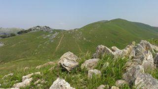 【平尾台】茶ヶ床園地から四方台・岩山・周防台・桶が辻・天狗岩・貝殻山をぐるっと周回